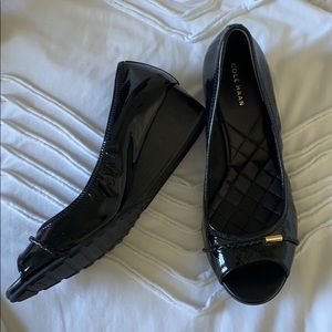 Cole Haan black patent leather 7.5 wedge shoes